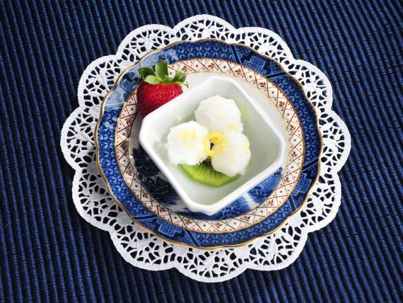lemon sorbet on kiwi with strawberry