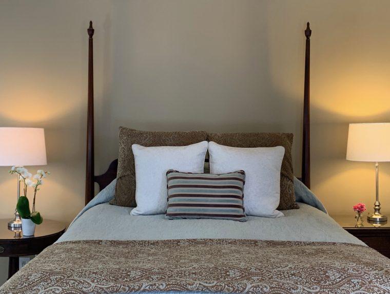 Hotchkiss Room bed